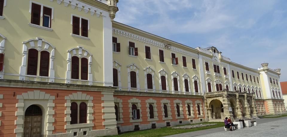 """Muzeul Naţional al Unirii, Cladirea """"Babilon"""""""